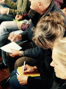 workshop visie schrijven, deelnemers aan het werk
